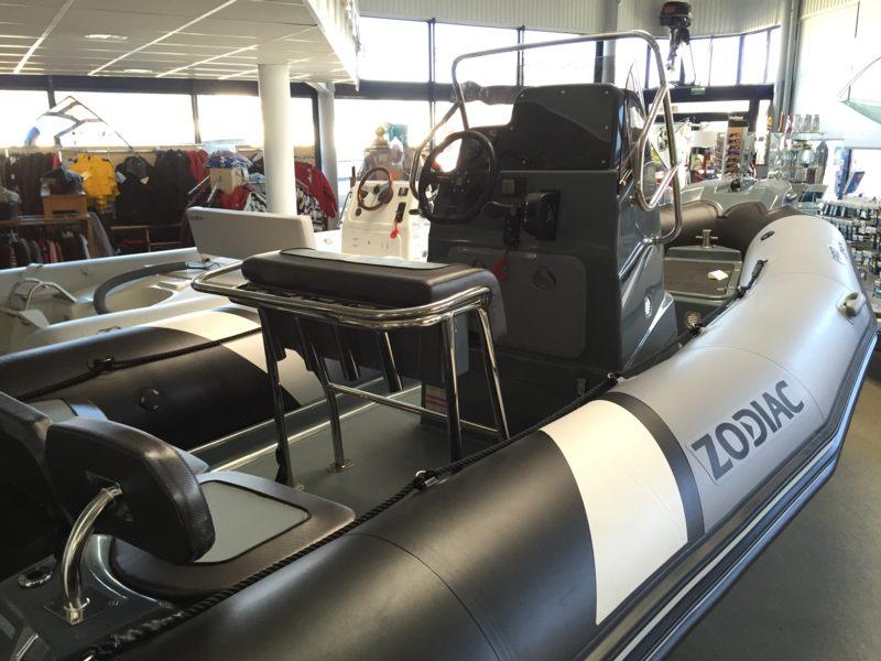 zodiac pro open 550 bateau moteur neuf lemerle bateaux. Black Bedroom Furniture Sets. Home Design Ideas