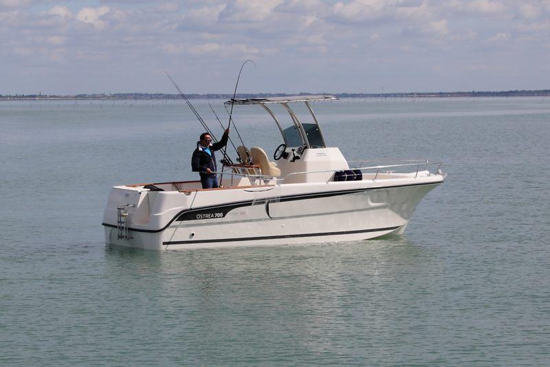 ocqueteau ostrea 700 open t top bateau moteur neuf lemerle bateaux. Black Bedroom Furniture Sets. Home Design Ideas